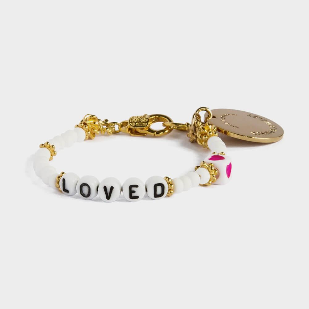 Loved: Ein Statement mit Ausdruck